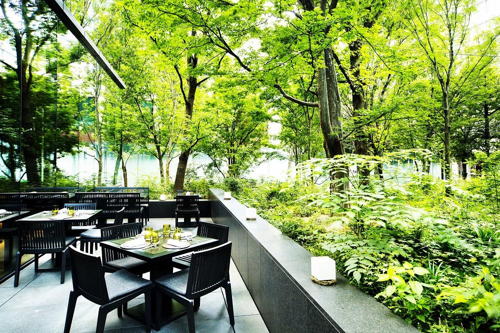 大手町の森「ザ・カフェ by アマン」