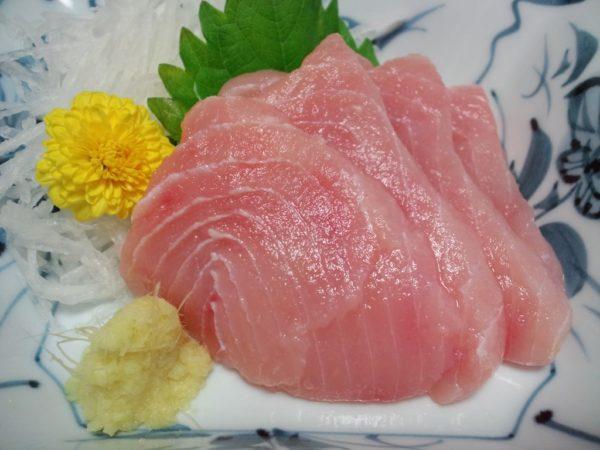広島県三次市物産フェア:ワニ(サメ)の刺身