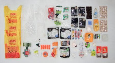 プラスチックごみ問題を、象の鼻テラスで世界の人たちと考える「OUR PLASTIC 展」